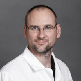 Dr. Csilek Andras