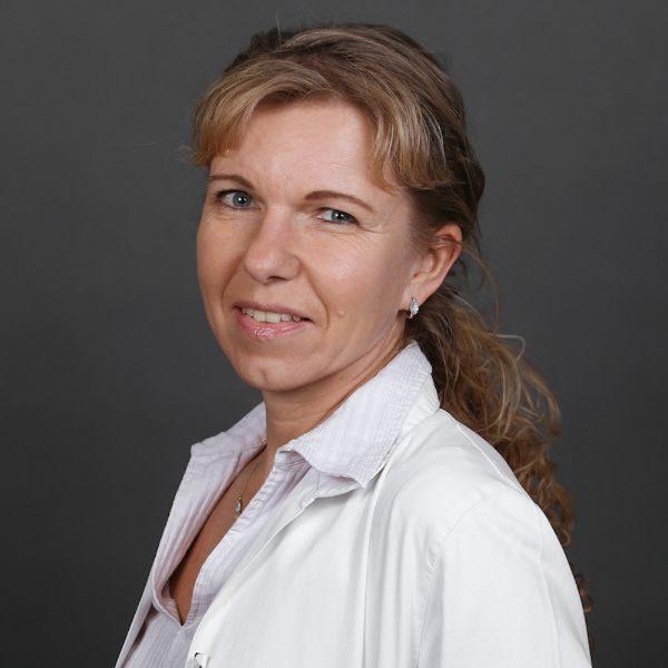 Dr. Stumpf Adrienne